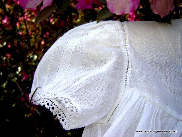 zLTChristening gownsleeve2