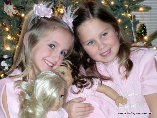 4 matching Christmas cousins