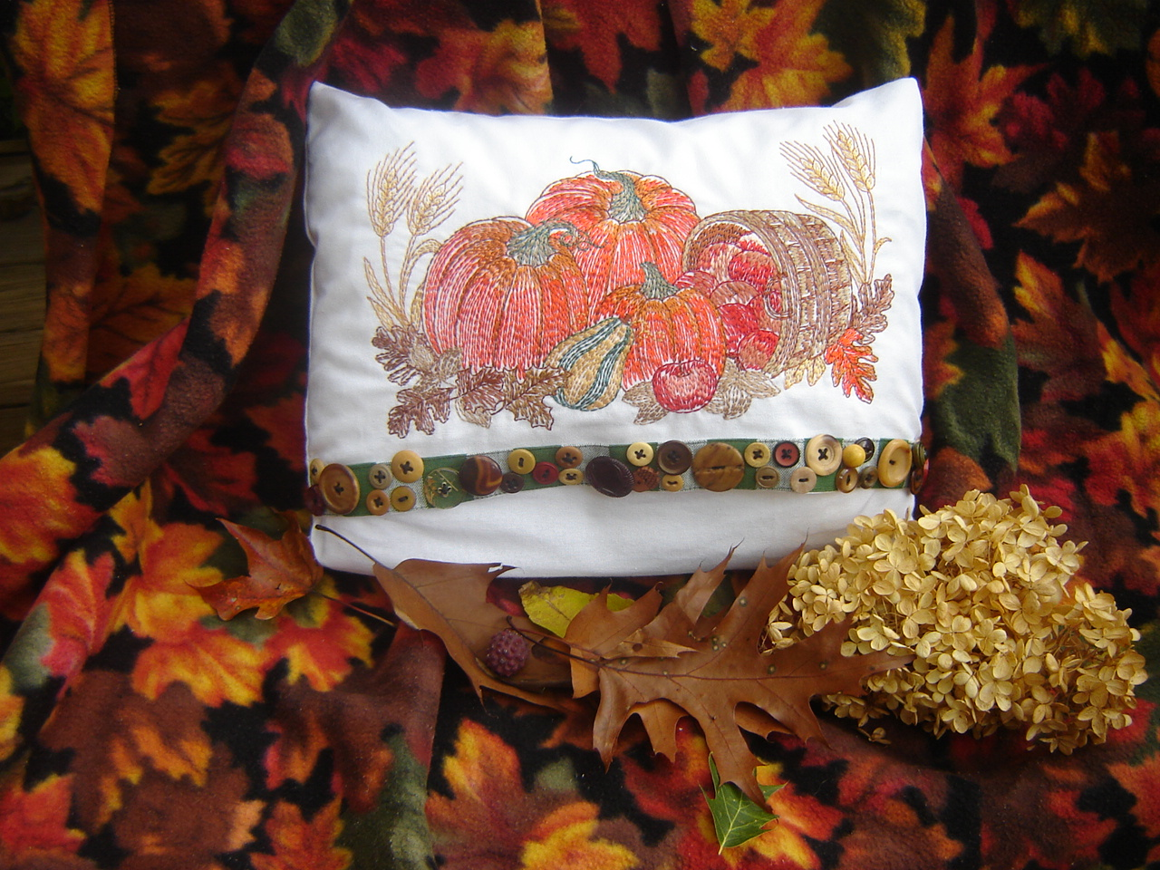 fall pumpkin pillowLW