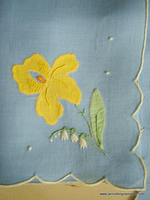 Iris Linen Napclose