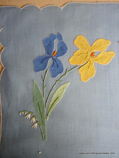 Iris Linen placematclose