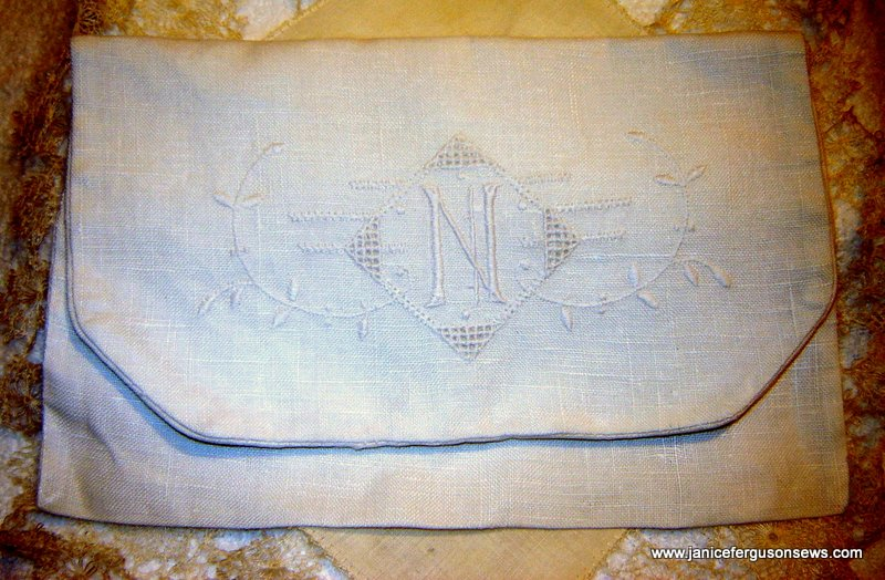 WW-handkerchiefs-case-photo1