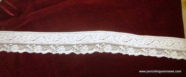 Xmas-collar-laceBRITE1