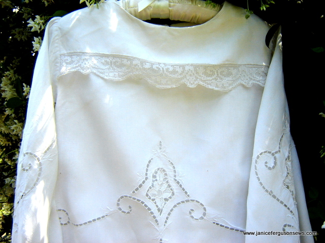 tablecloth-dress-front-bodiceclose