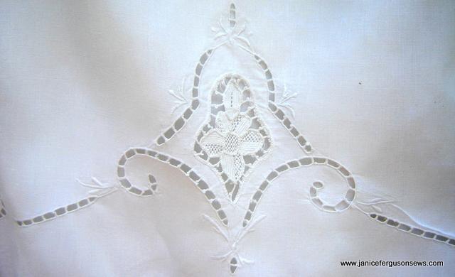 tablecloth-dress-motif-frontFI1