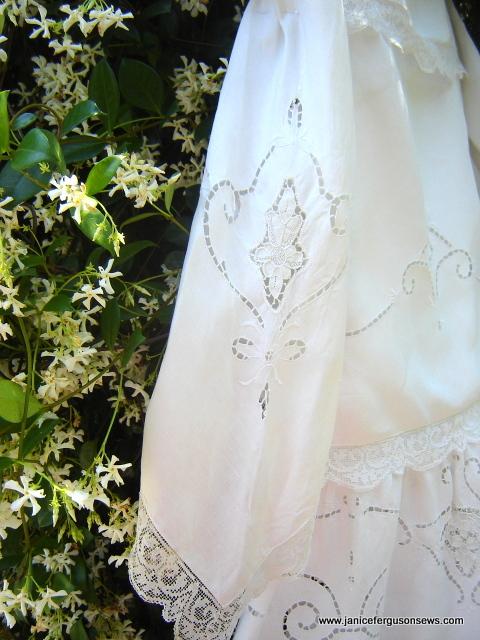 tablecloth-dress-sleeve
