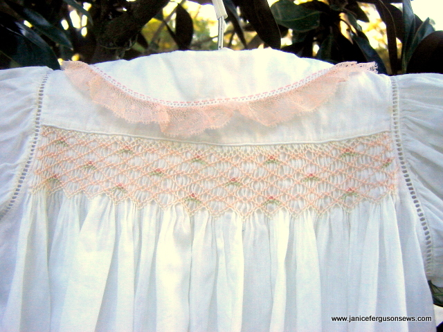 ant pink lace daygown back2