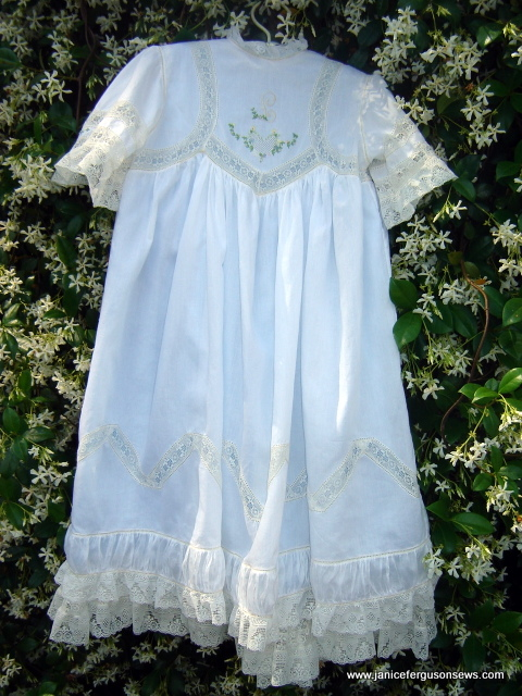 white Nelona over blue Imperial broadcloth...see details and more photos at post Judith Dobson and the Tea Dress