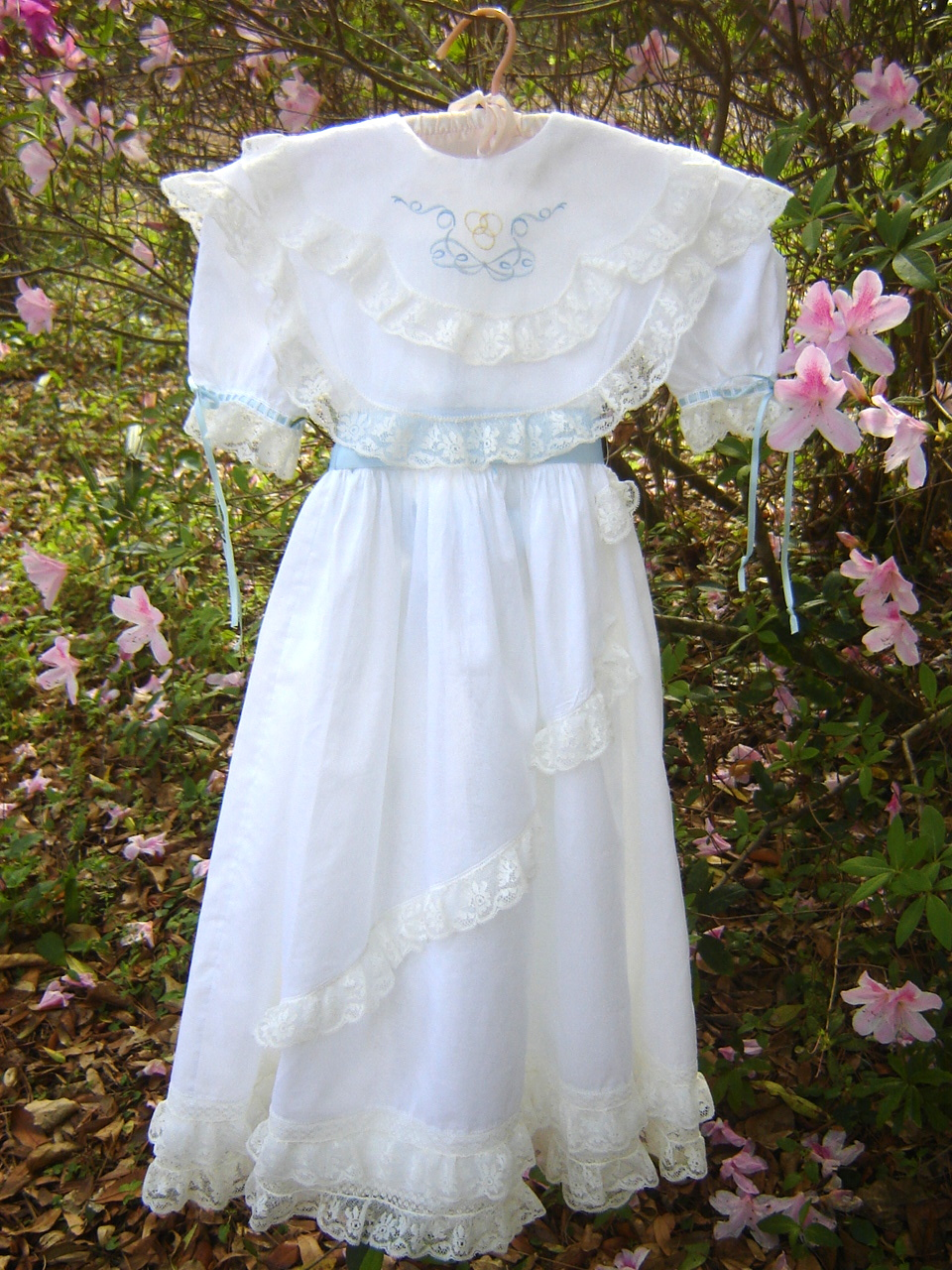 Easter lace dress br
