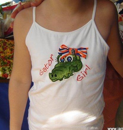 L shirt closeCR