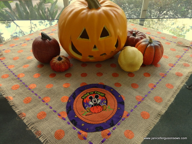 Mickey pumpkin tabletopper outside