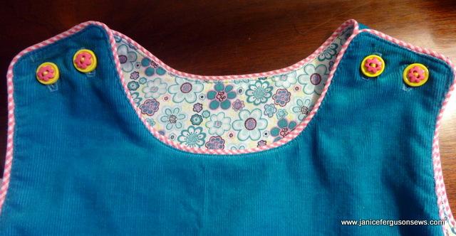 2 dress lining buttons
