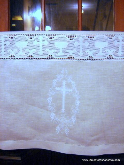 communionclothcenterfront1