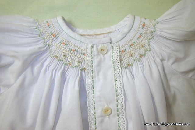 1-daygown smocking