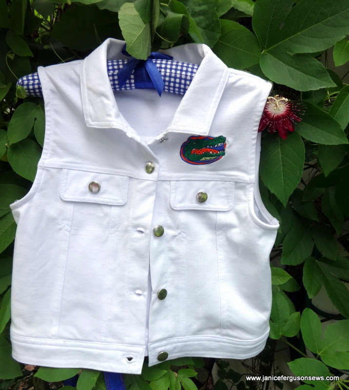 Paired with blue shorts, this cotton vest was cool for hot daytime games.