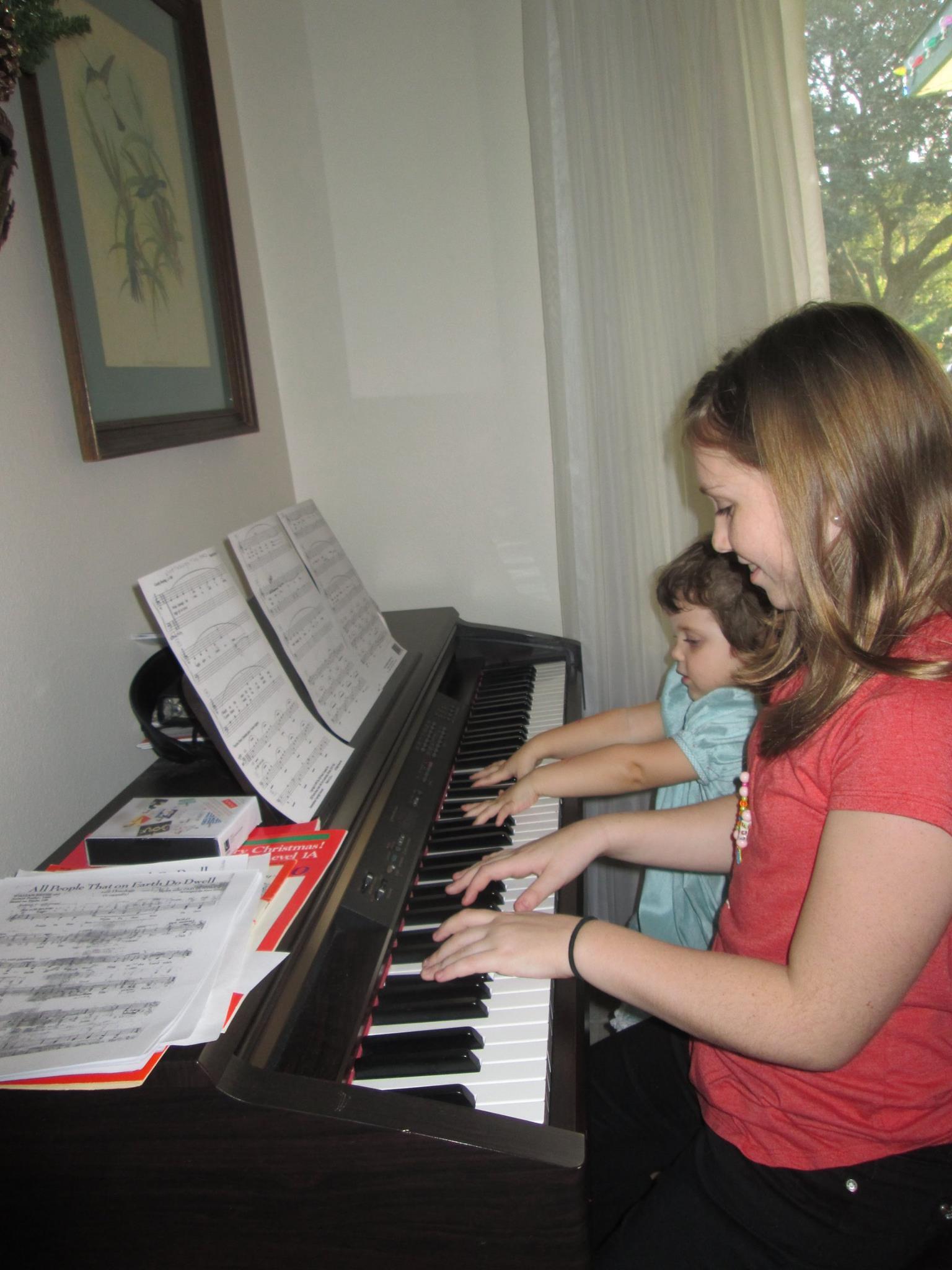 L V piano duet