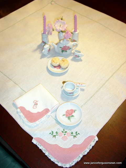 rose-tea-set