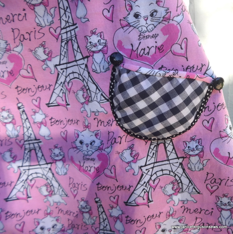 This puffy pocket is a free pattern at Chidren's Corner website.